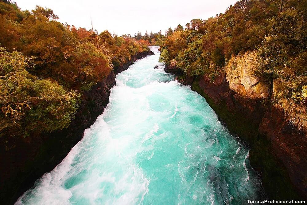 huka falls nova zelândia