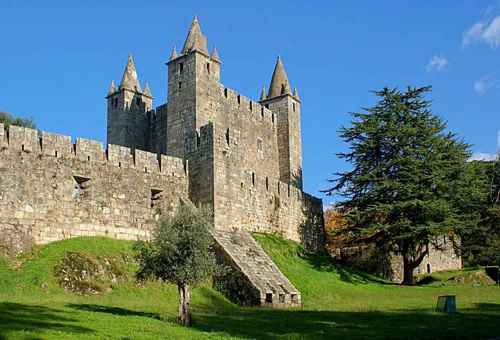castelo Santa Maria da Feira - 10 castelos em Portugal que você precisa visitar