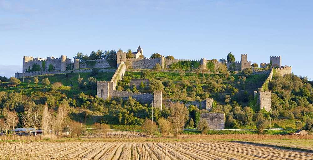 castelo de Montemor o Velho - 10 castelos em Portugal que você precisa visitar