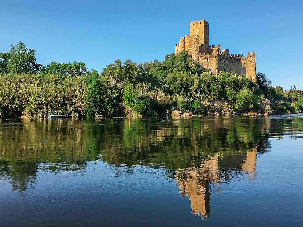 castelos em portugal Almourol - 10 castelos em Portugal que você precisa visitar