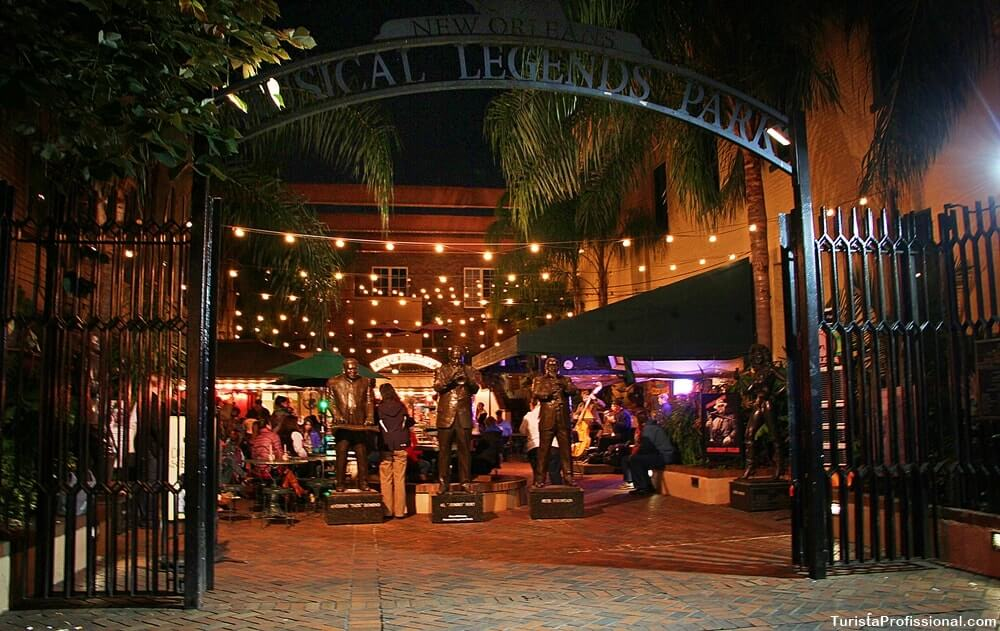 musical legends park bourbon street - Como é a vida noturna em New Orleans