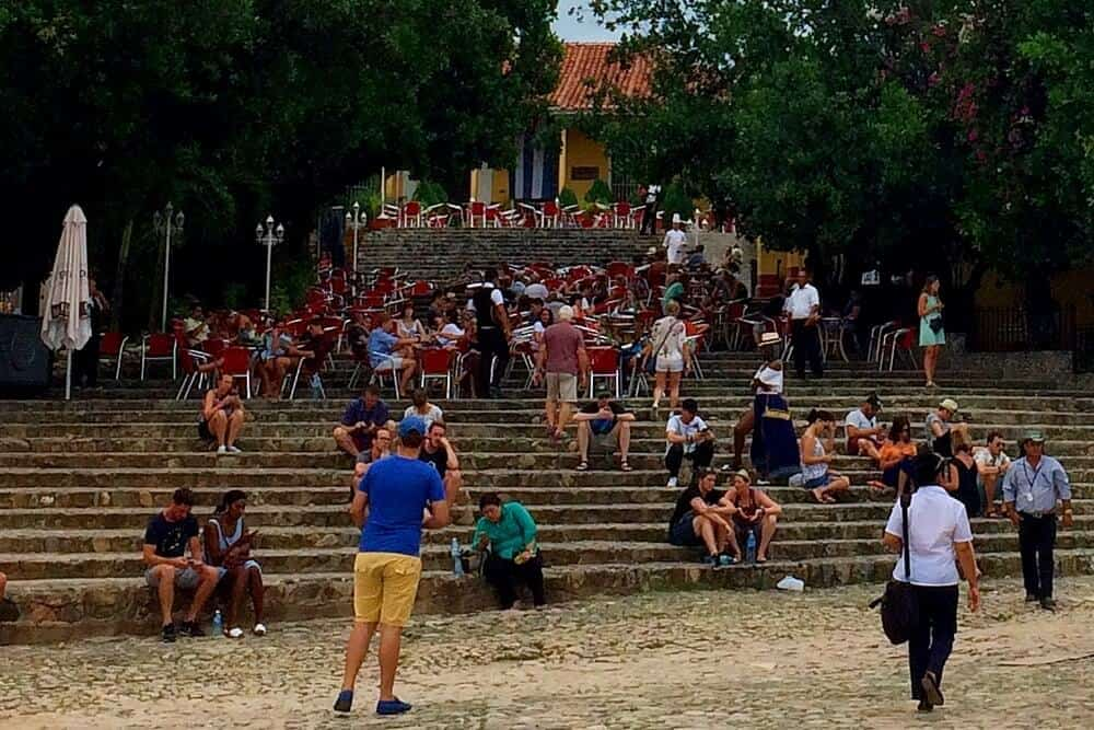 vida noturna em Cuba casa de la musica trinidad