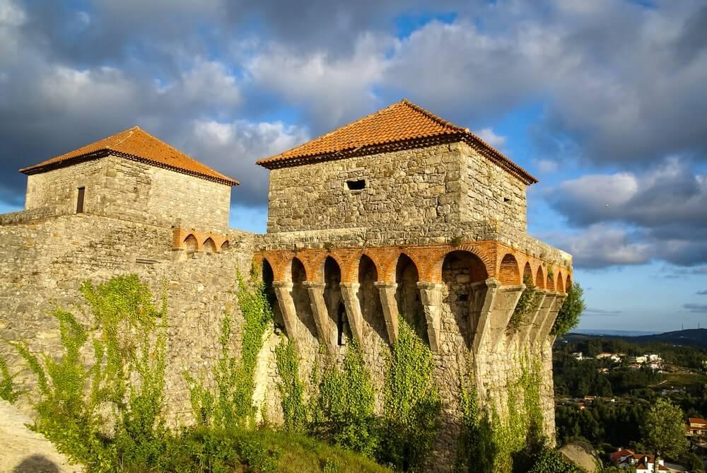 castelo de ourem portugal - 10 castelos em Portugal que você precisa visitar