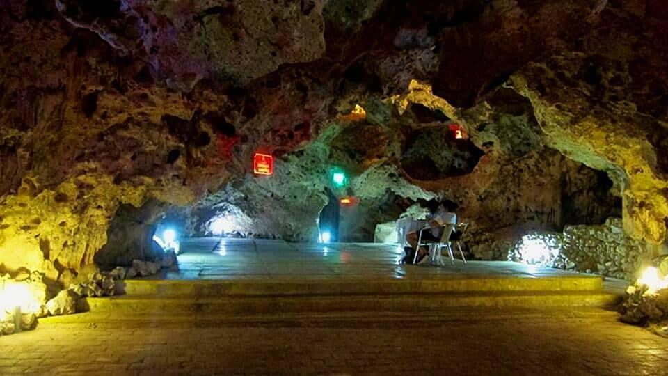 vida noturna em Cuba la cueva trinidad