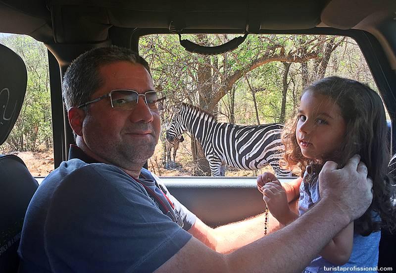 turista profissional no safári - Safári com crianças na África do Sul