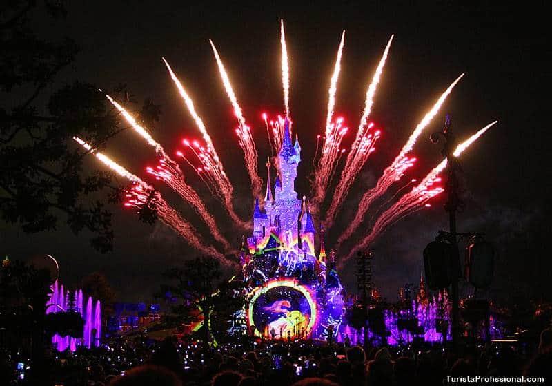 show de fogos na disney - Dicas para visitar a Disneyland Paris com bebê e criança pequena: sim, é possível!