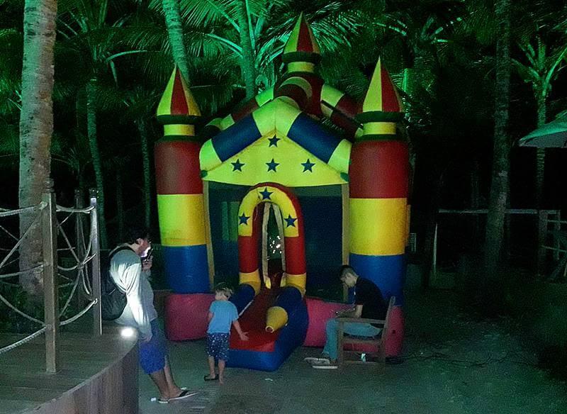 espaço infantil crocobeach