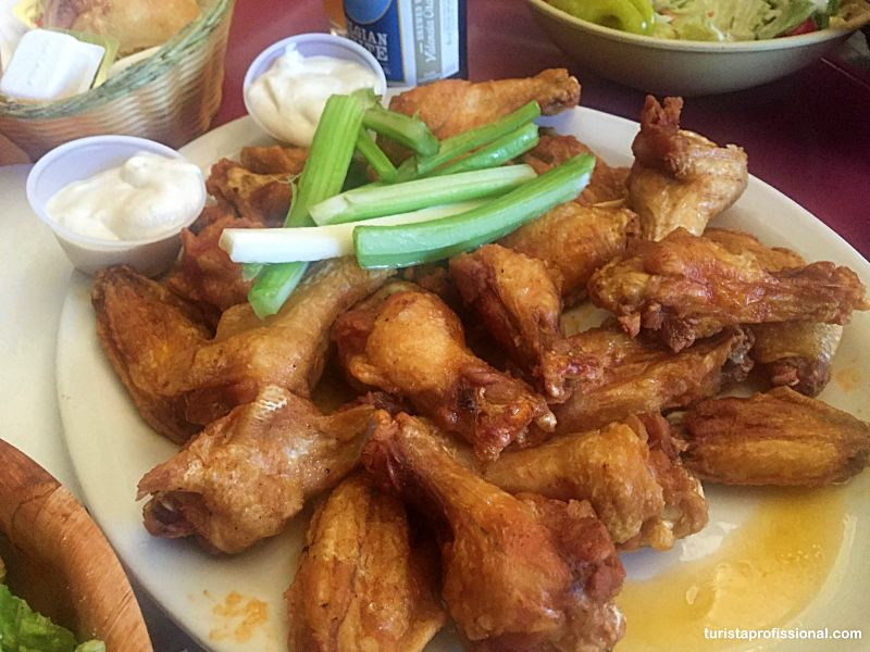 origem da Buffalo Wings - The Anchor Bar: restaurante onde foi criado o prato Buffalo Wing's