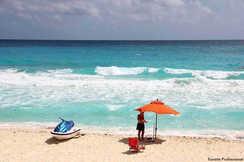 praia do Caribe mar azul