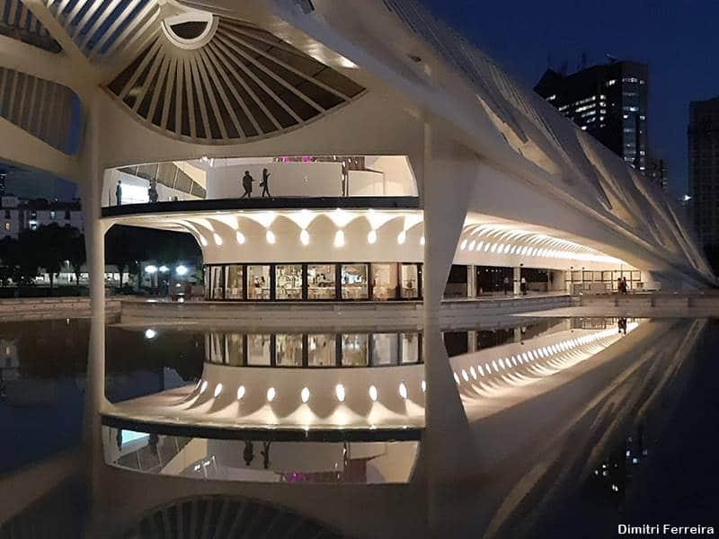 Museu do Amanhã à noite