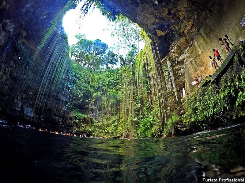 o que fazer em cancun - Cenote Ik-Kil: um dos mais famosos da Riviera Maia