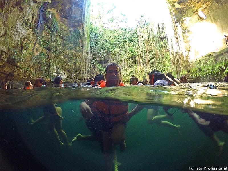 turista profissional - Cenote Ik-Kil: um dos mais famosos da Riviera Maia