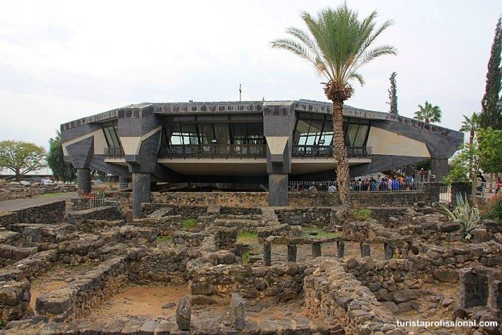 Casa de Pedro em Cafarnaum - Milagres de Jesus em Israel: roteiro de viagem