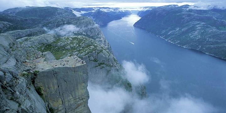 Pedra do Pulpito Noruega 1 - Outono na Noruega: quando é e o que fazer?