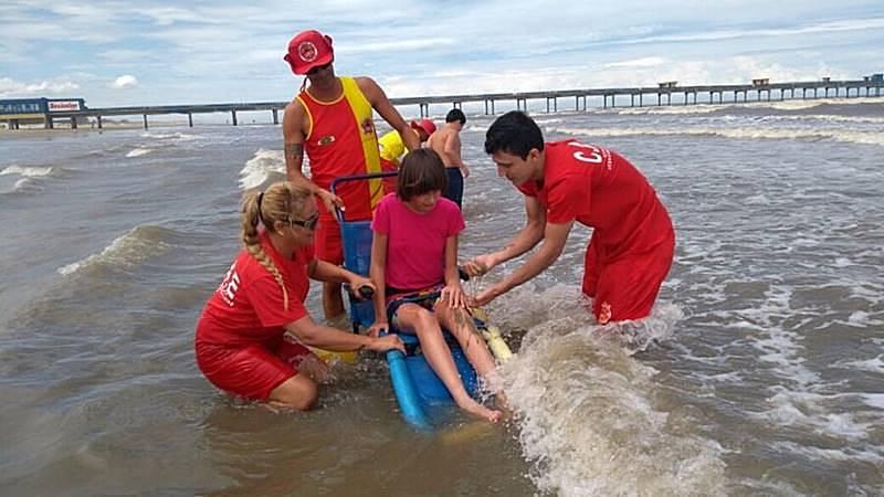 acessibilidade nas praias balneario camboriu - Conheça 5 praias acessíveis para pessoas com deficiência