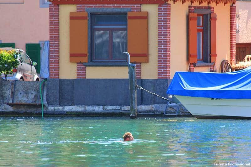 nadar no rio Reno - As Cataratas do Reno e o que fazer em Schaffhausen, na Suíça
