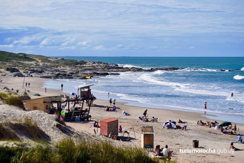 Praia no uruguai em Punta del Diablo