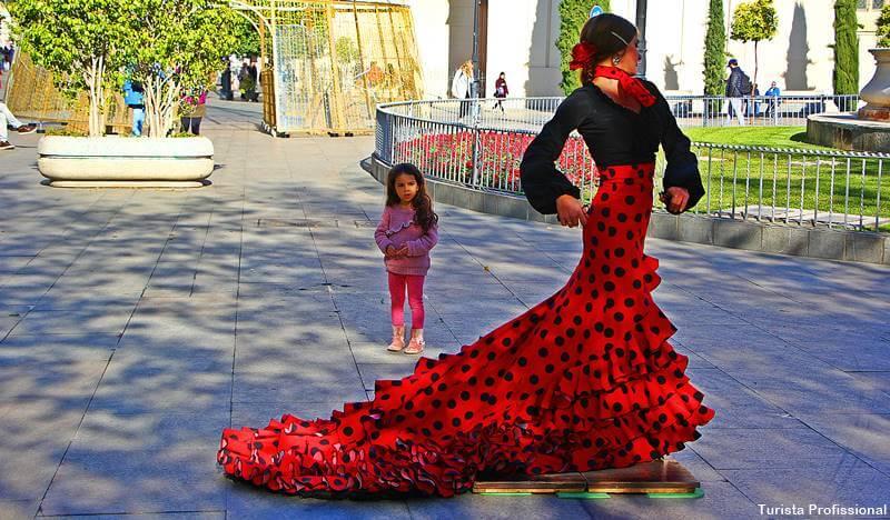 danca flamenca - O que fazer em Sevilha: principais pontos turísticos