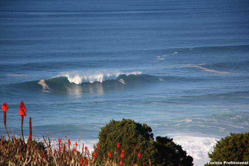 ondas gigantes de nazare - Praias em Portugal: Guia Completo