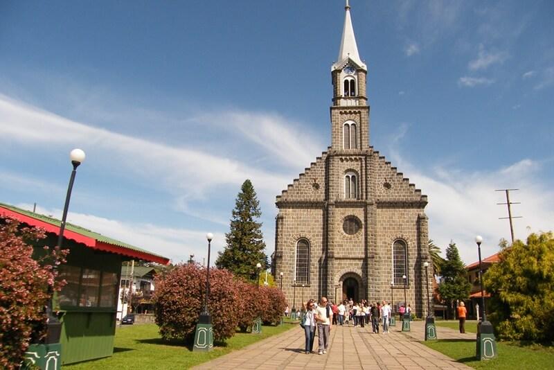igreja sao pedro gramado - O que fazer em Gramado e Canela?