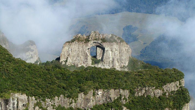 pedra furada urubici - Serra de Santa Catarina: cidades, atrações, dicas e roteiros