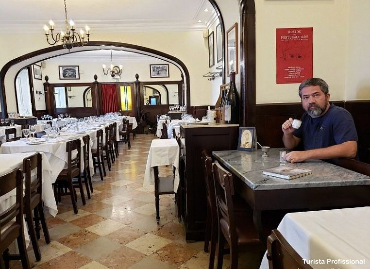 restaurante Fernando Pessoa em Lisboa - Portugal