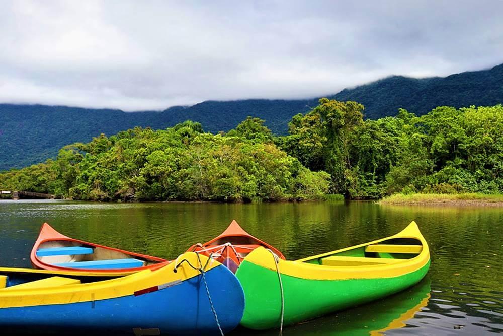 passeio de canoa em Bertioga