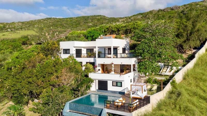 casa no pontal do atalaia - Pousadas em Arraial do Cabo