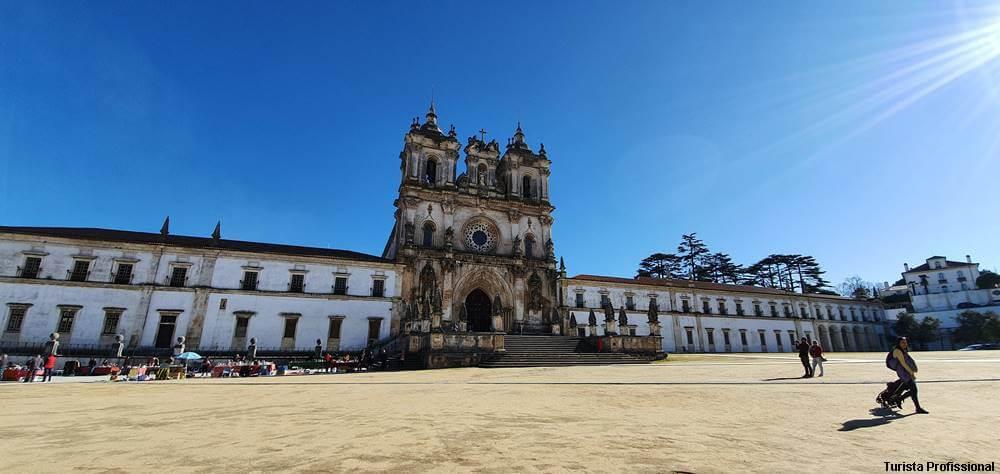 mosteiro de alcobaca - 25 cidades de Portugal imperdíveis